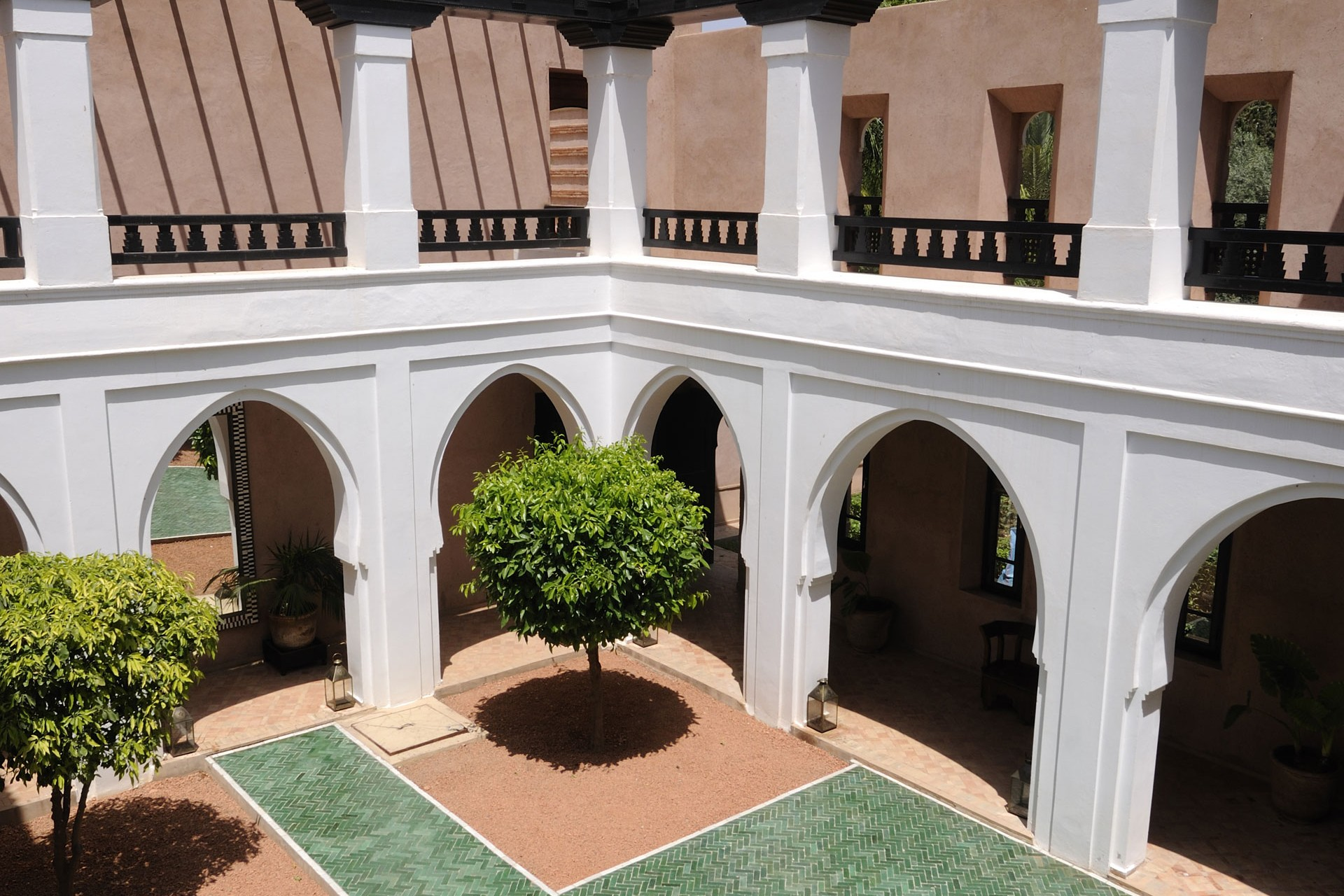 gallery-ezzahra-internal-courtyard